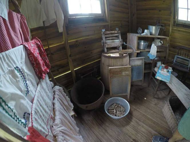3b-GOPR7134-inside-house-laundry