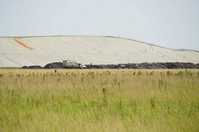 4-DSC01879-cu-truck-hill-tarp